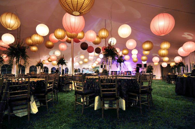 Elegant-hanging-paper-lanterns