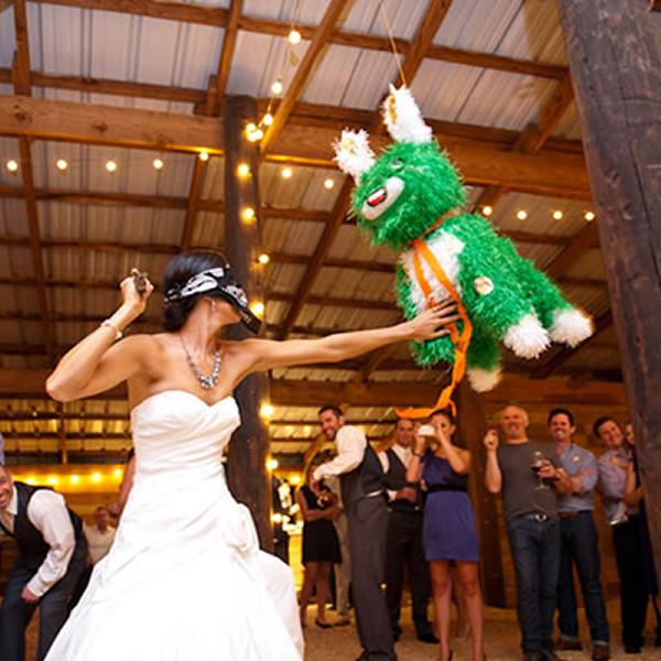 indoor-wedding-reception-games